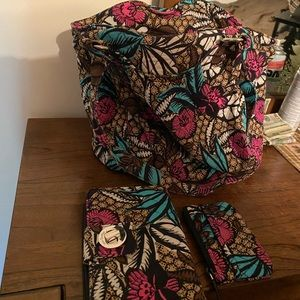Vera Bradley Shoulder Bag with wallet